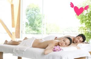 Masaje, cava y bombones o masaje en pareja