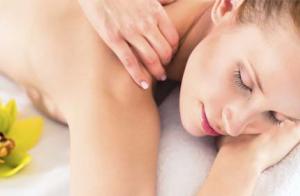 Peeling corporal y masaje con aromaterapia
