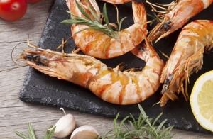 Menú con marisco y cachopo o pescado para dos