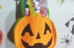 Cesta chucherías de Halloween