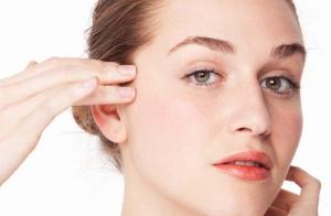 Limpieza facial con scrub, peeling ultrasónico y masaje